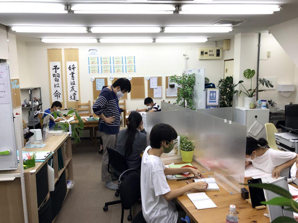 教室内の画像